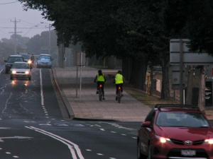 Cyclists have the choice of a narrow, on road bike lane, or shared paths around the waterfront.