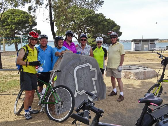 Sunday Bike Ride on newly-promoted trail 20 Dec. DSC06700acr edit