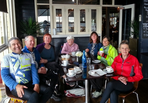 Ricahrd, Robert, Tina, Tina's mum, Deb, Rosemary, Coralie