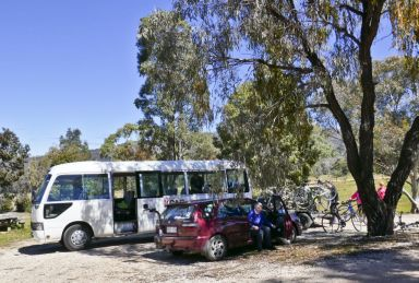 The bus and trailer loading at Sally's Paddock