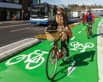 Separated 2-way bike path, New Zealand